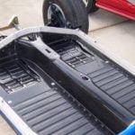 Um lift de carroceria de buggy feito com material alternativo.