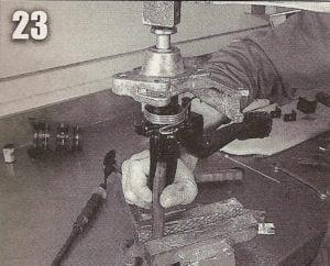 Colocando o pedal de embreagem