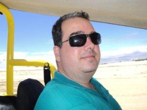Ricardo em seu buggy